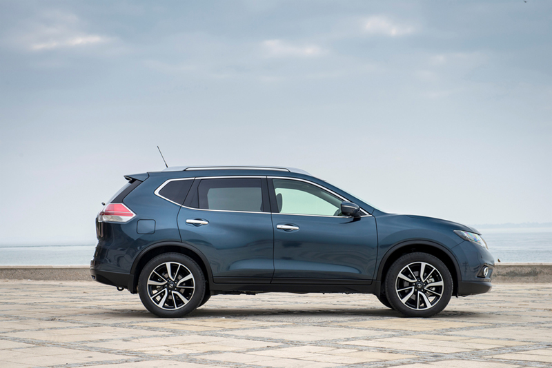 Foto Lateral Nissan X Trail Suv Todocamino 2014