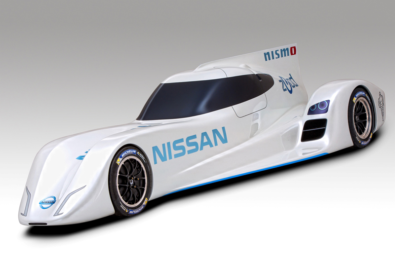 Foto Perfil Nissan Zeod Rc Cupe 2013