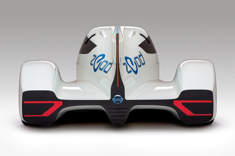 Foto Trasera Nissan Zeod Rc Cupe 2013