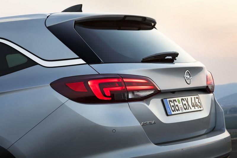 Foto Detalles 1 Opel Astra-sports-tourer Familiar 2016