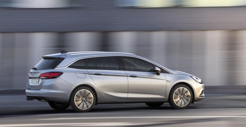 Foto Exteriores Opel Astra Sports Tourer Familiar 2016