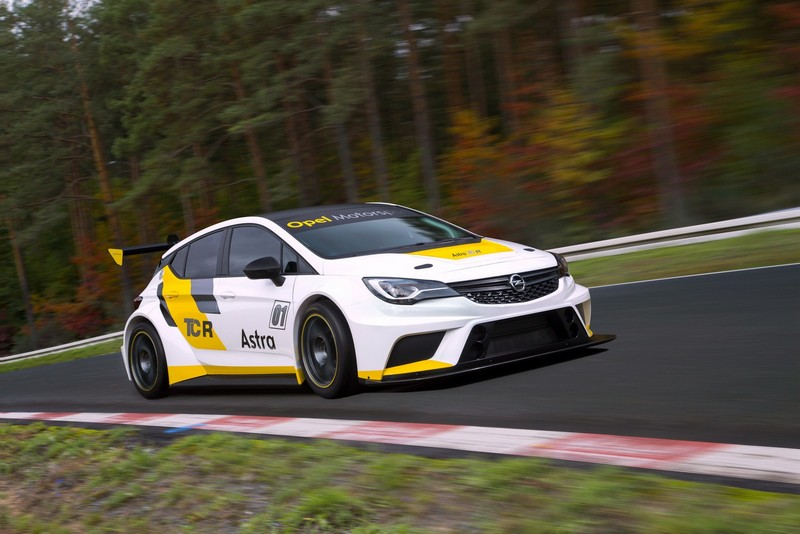 Foto Exteriores Opel Astra Tcr Cupe 2016
