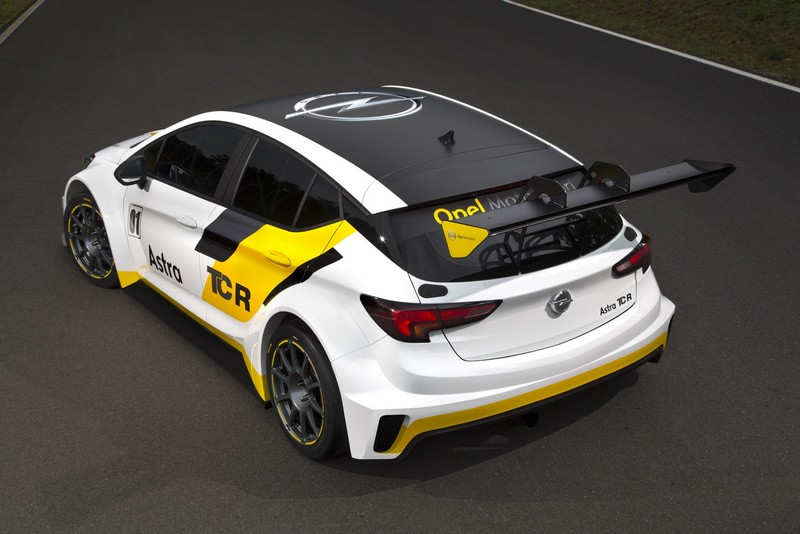 Foto Trasera Opel Astra Tcr Cupe 2016