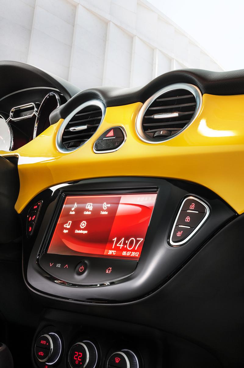 Foto Interiores Opel Adam Dos Volumenes 2012