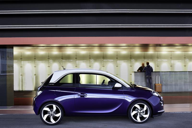 Foto Lateral Opel Adam Dos Volumenes 2012