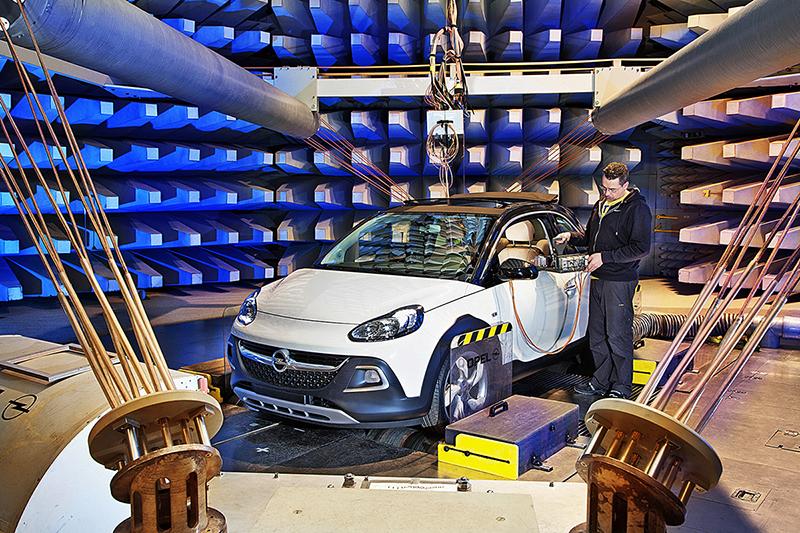 Foto Exterior Opel Adam Rocks Suv Todocamino 2014
