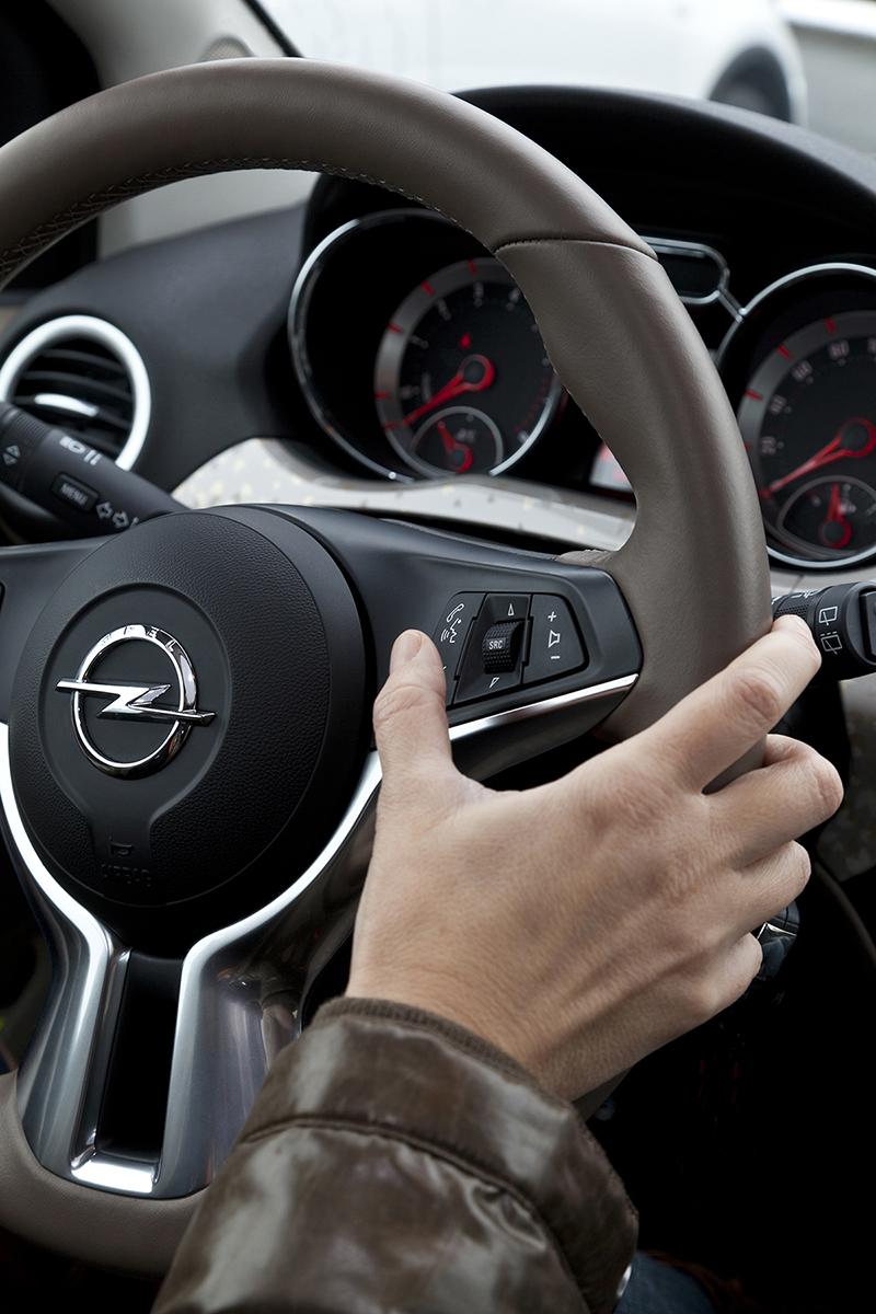 Foto Interior Opel Adam Rocks Suv Todocamino 2014