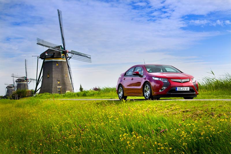 Foto Exteriores03 Opel Ampera Sedan 2010