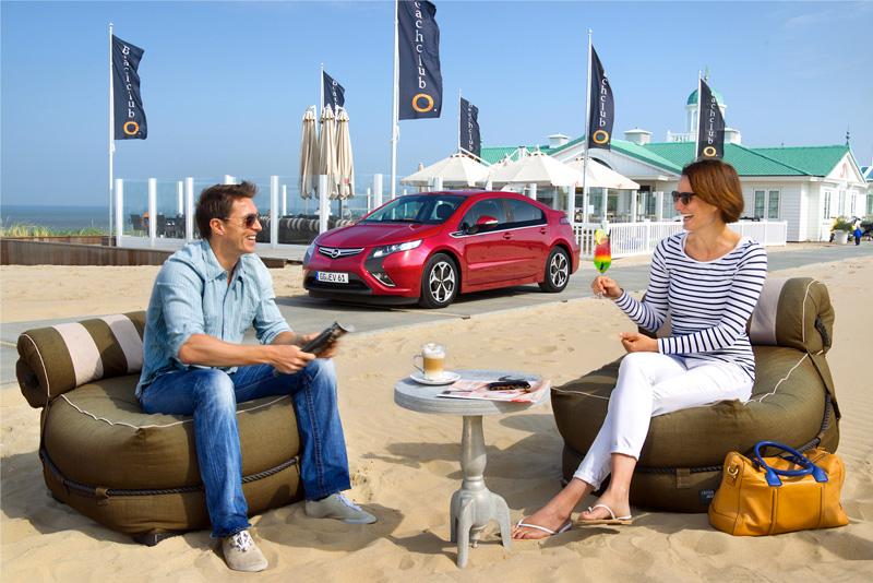 Foto Exteriores09 Opel Ampera Sedan 2010