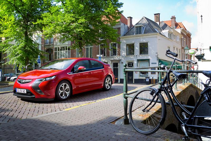 Foto Exteriores13 Opel Ampera Sedan 2010