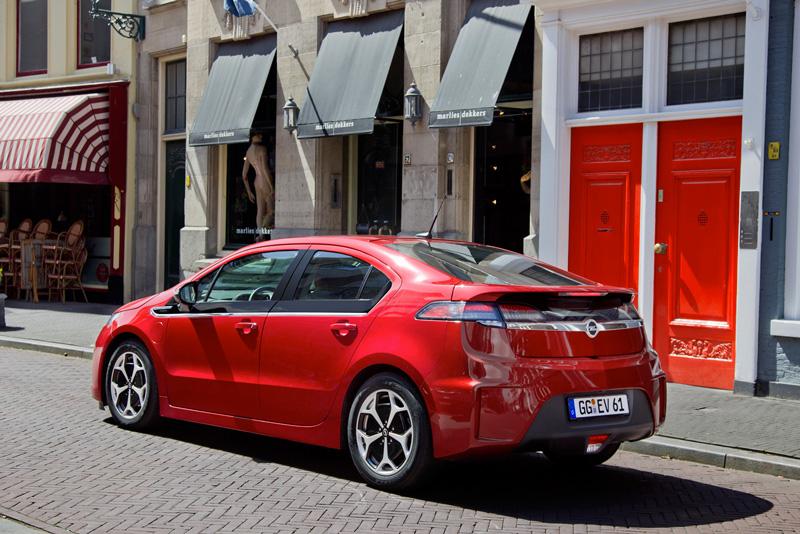 Foto Exteriores14 Opel Ampera Sedan 2010