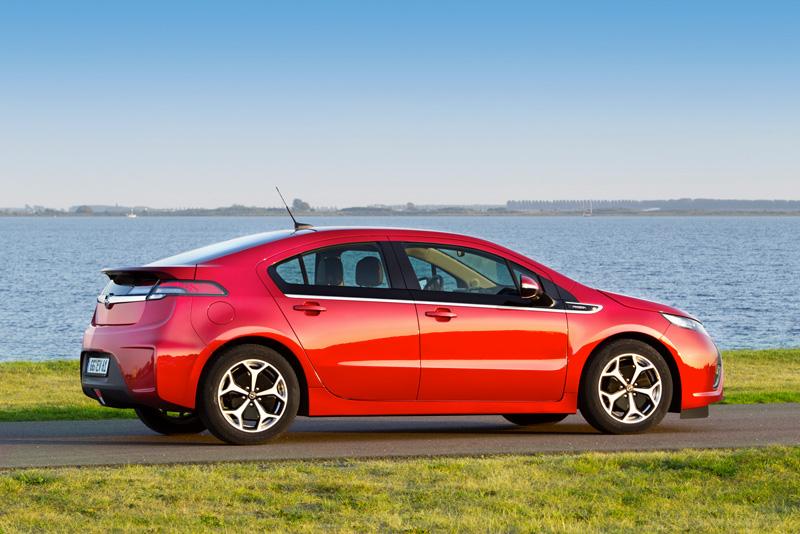 Foto Exteriores21 Opel Ampera Sedan 2010