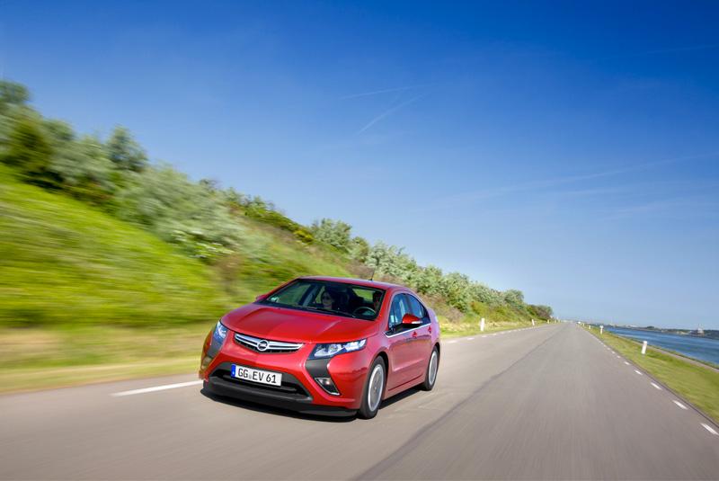 Foto Exteriores24 Opel Ampera Sedan 2010