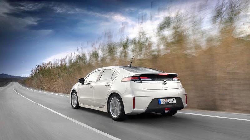Foto Exteriores26 Opel Ampera Sedan 2010