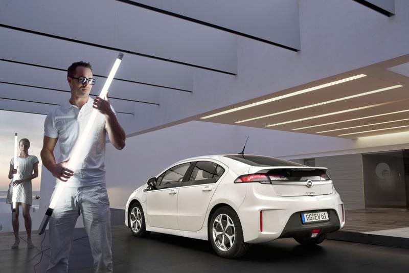 Foto Exteriores27 Opel Ampera Sedan 2010