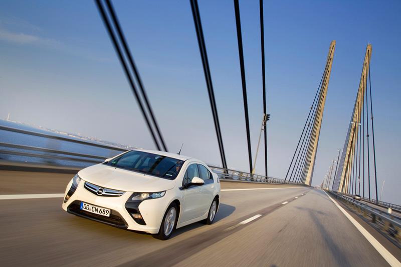Foto Exteriores34 Opel Ampera Sedan 2010