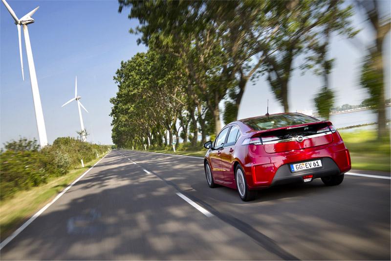 Foto Trasera Opel Ampera Sedan