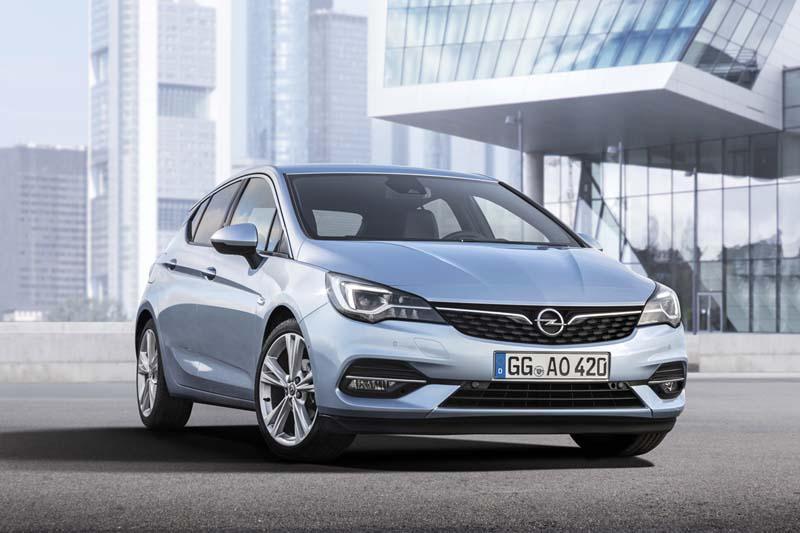 Foto Delantera Opel Astra Dos Volumenes 2020