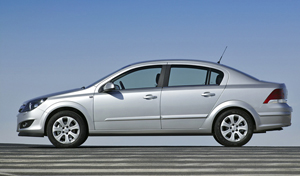 Opel Astra Sports Tourer 2010
