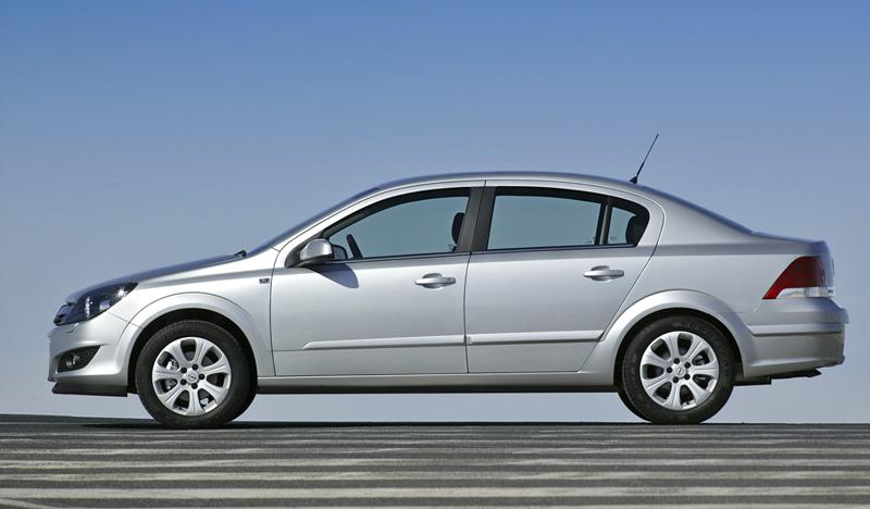 Foto Perfil Opel Astra Sedan 2009