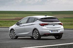Foto Exteriores (1).jpeg Opel Astra-biturbo-cdti Dos Volumenes 2016