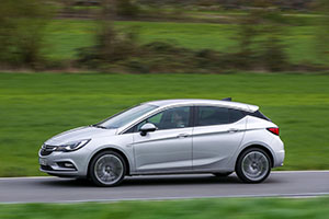 Foto Exteriores (6) Opel Astra-biturbo-cdti Dos Volumenes 2016