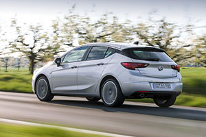 Foto Exteriores (8) Opel Astra-biturbo-cdti Dos Volumenes 2016