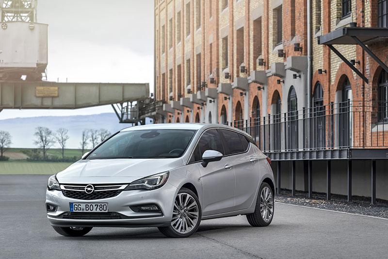 Foto Exteriores Opel Astra Biturbo Cdti Dos Volumenes 2016