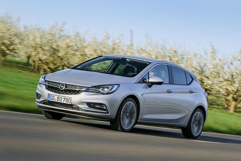 Opel Astra BiTurbo diésel
