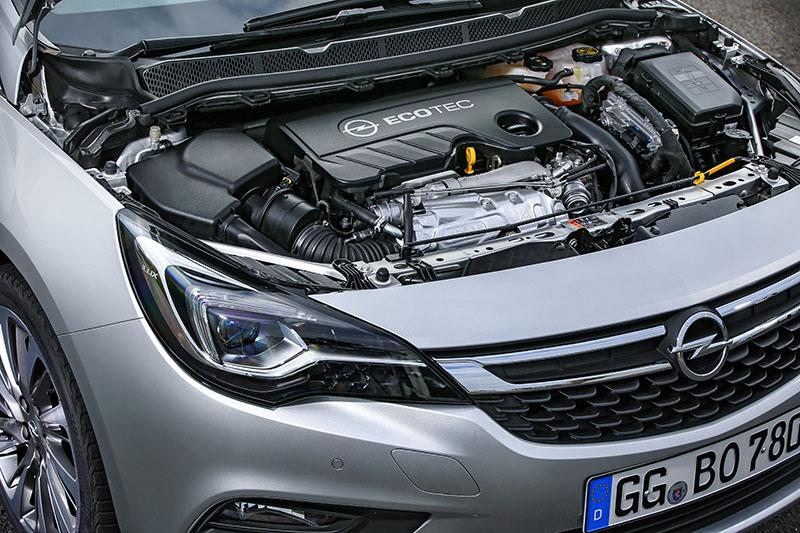 Foto Tecnicas Opel Astra Biturbo Cdti Dos Volumenes 2016
