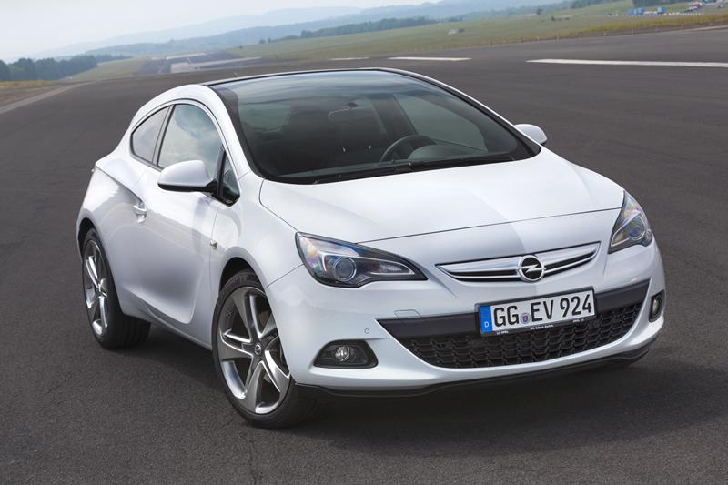 Foto Delantera Opel Astra Gtc Cupe 2012