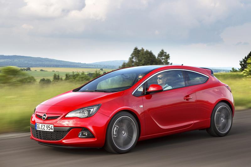 Foto Perfil Opel Astra Gtc Cupe 2012