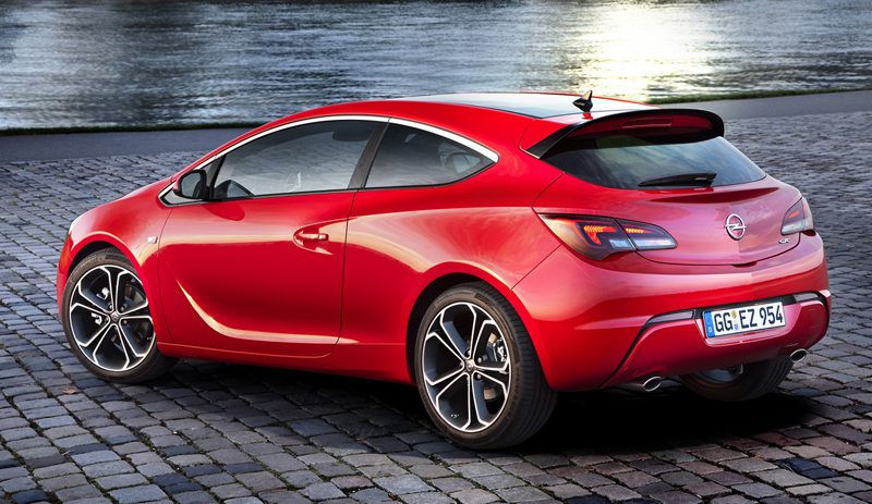 Foto Trasera Opel Astra Gtc Cupe 2012
