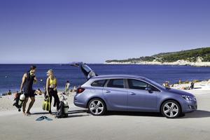Foto Exteriores-(11) Opel Astra-st Familiar 2010