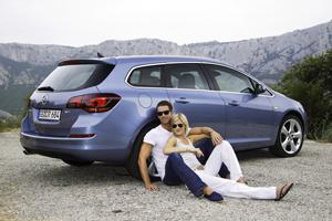 Foto Exteriores-(21) Opel Astra-st Familiar 2010