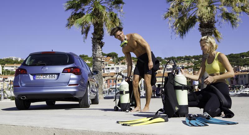Foto Exteriores-(12) Opel Astra-st Familiar 2010