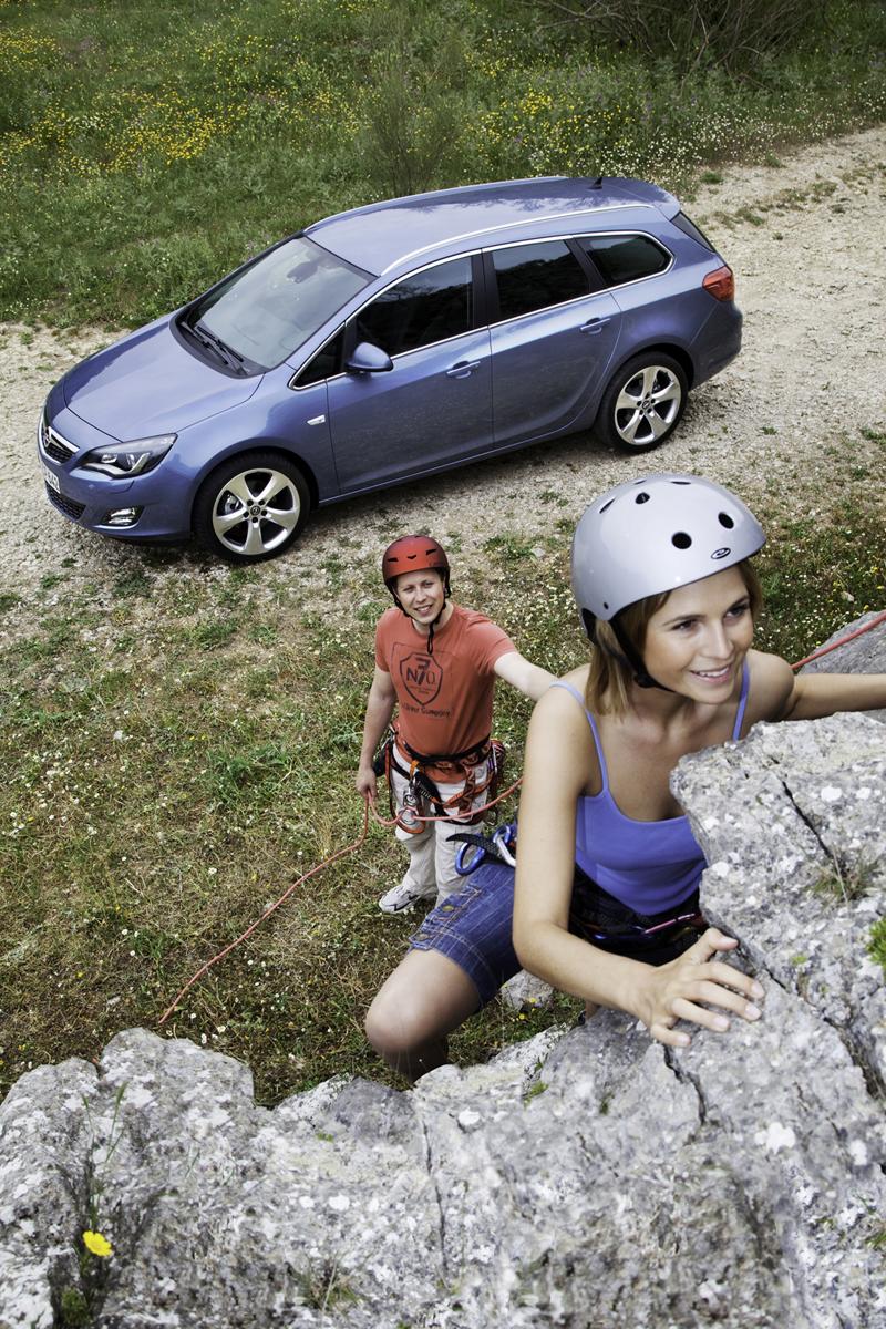 Foto Exteriores-(17) Opel Astra-st Familiar 2010