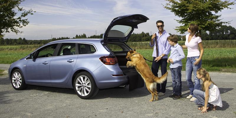 Foto Exteriores-(18) Opel Astra-st Familiar 2010