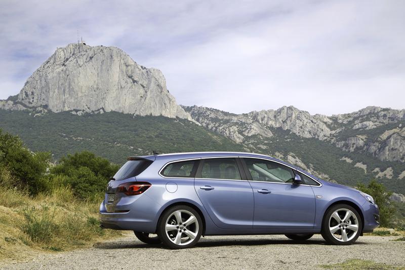 Foto Exteriores-(32) Opel Astra-st Familiar 2010