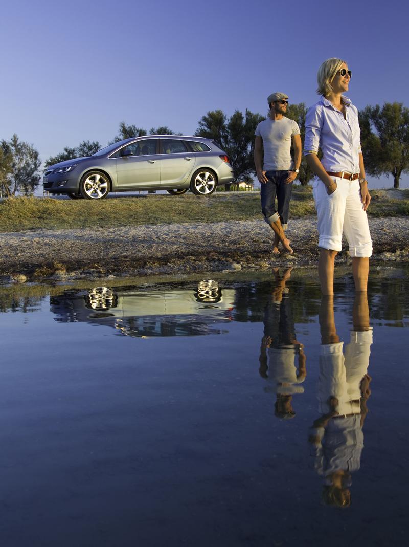 Foto Exteriores-(4) Opel Astra-st Familiar 2010