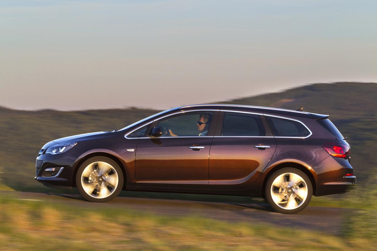 Fondo Pantalla Opel Astra-st Familiar 2012 Lateral
