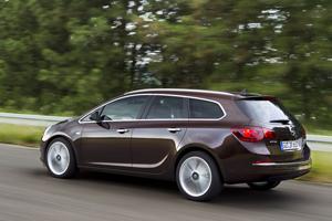 Foto Exteriores (3) Opel Astra-st Familiar 2012