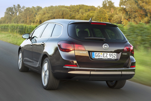 Foto Trasera Opel Astra-st Familiar 2012