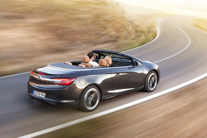 Foto Trasera Opel Cabrio Descapotable 2012