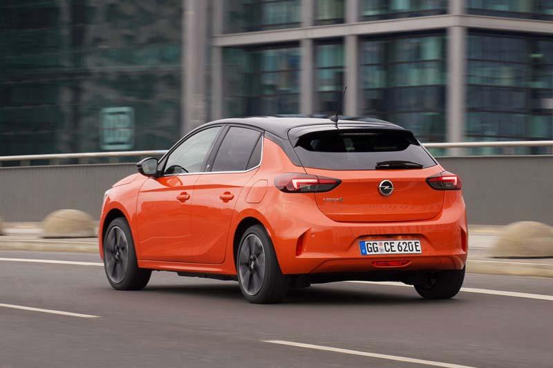 Foto Trasera Opel Corsa E Dos Volumenes 2020