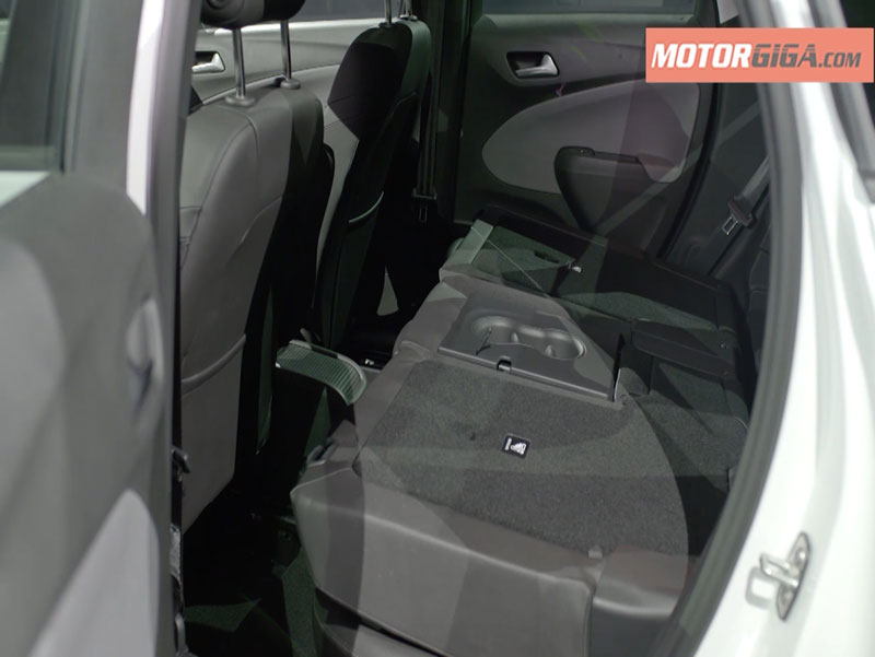 Foto Interiores Opel Crossland X Presentacion Suv Todocamino 2017