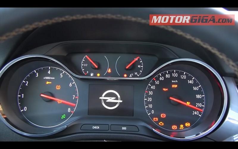Foto Interiores Opel Crossland X Prueba Suv Todocamino 2017