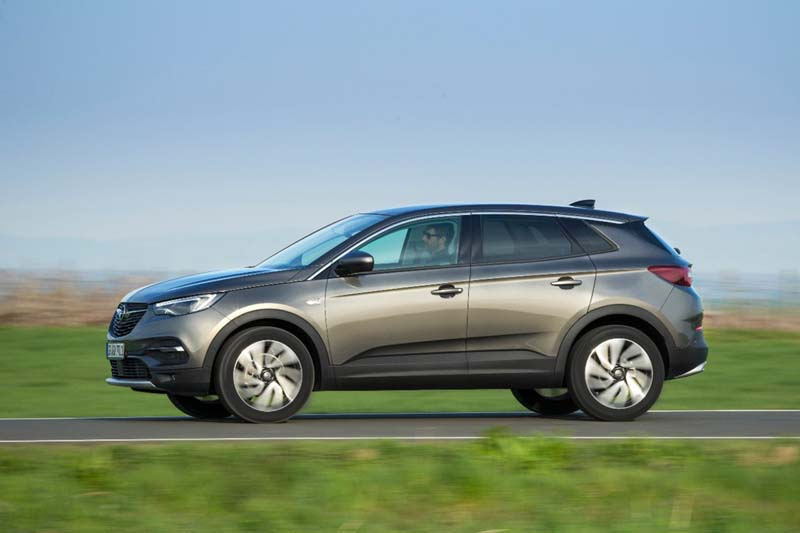 Opel Grandland X, foto lateral