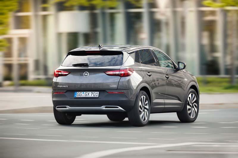 Opel Grandland X, foto trasera