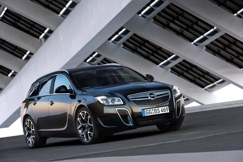 Foto Delantero Opel Insignia Familiar 2010